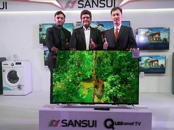 Arihant Jain, Director, Jaina Group, Mr. Pradeep Jain, Managing Director, Jaina Group & Lim Jew Tim, Head - Global Licensing, Sansu