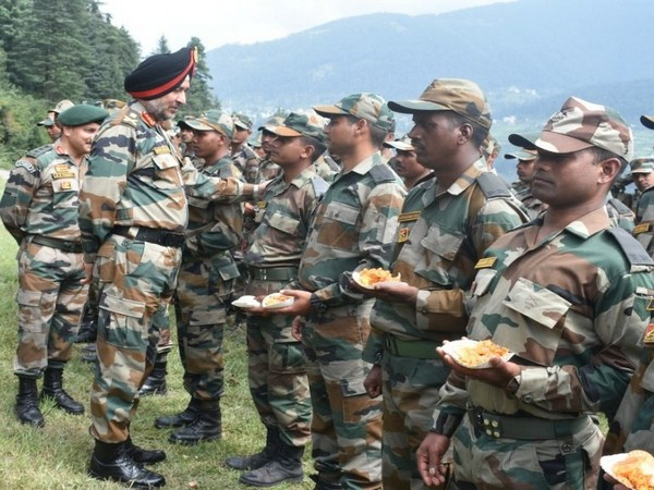 Northern Army Commander visited Doda and Kishtwar sectors to review the operational preparedness (Photo tweeted by Northern Command)