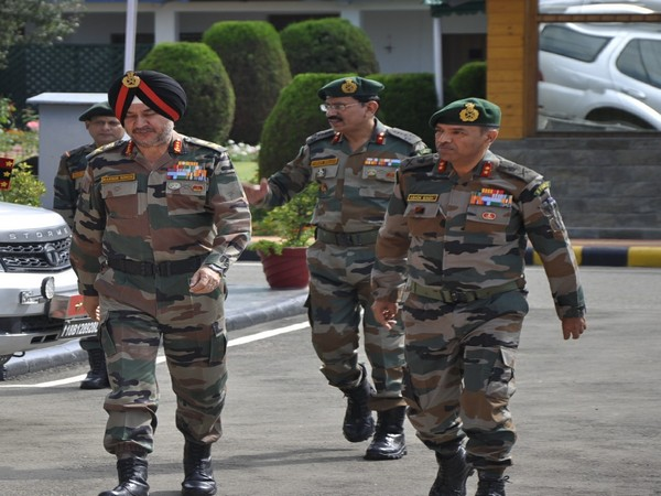 Northern Army Commander Lt Gen Ranbir Singh during his visit to Kashmir Valley (Photo tweeted by Northern Army Command)