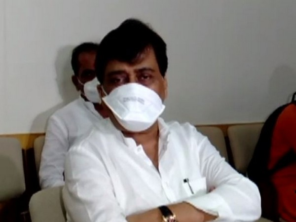 Senior Congress leader Ashok Chavan speaking to reporters in Mumbai on Monday. Photo/ANI