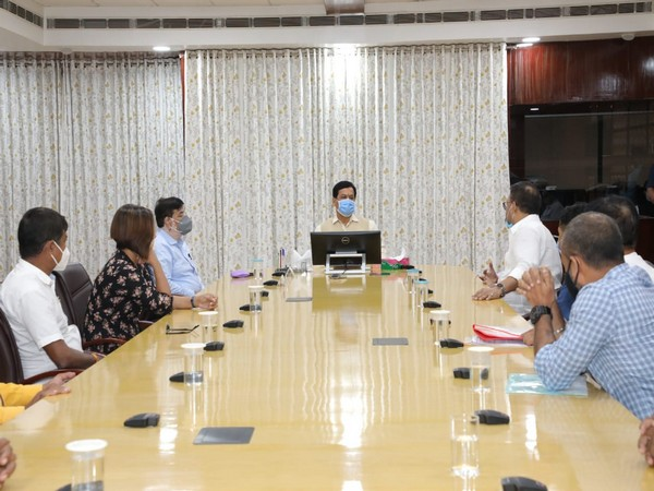 Chief Minister Sarbananda Sonowal held a meeting with the Mobile Theatre Producers' Association on Friday.
