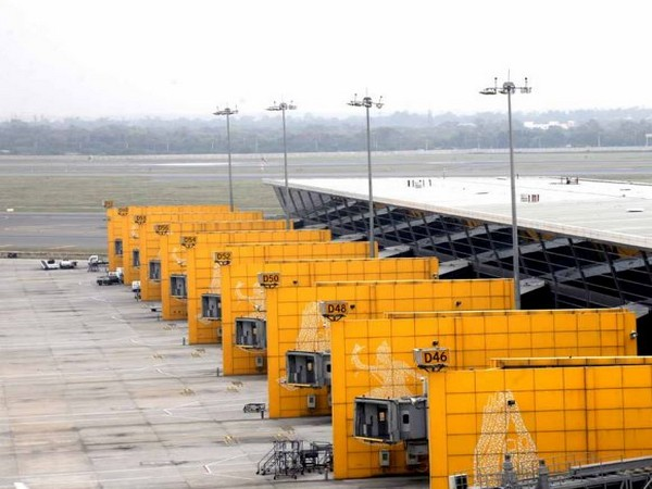 The sectors most severely affected by movement restrictions are airports and toll roads.