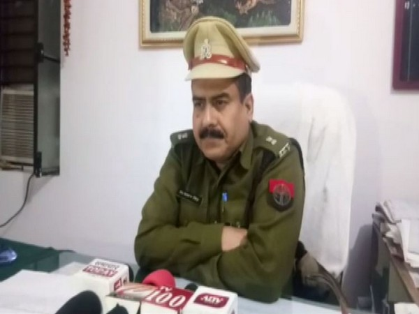 Superintendent of Police (SP) (rural) Sansar Singh talking to reporters in Bareilly on Wednesday. Photo/ANI