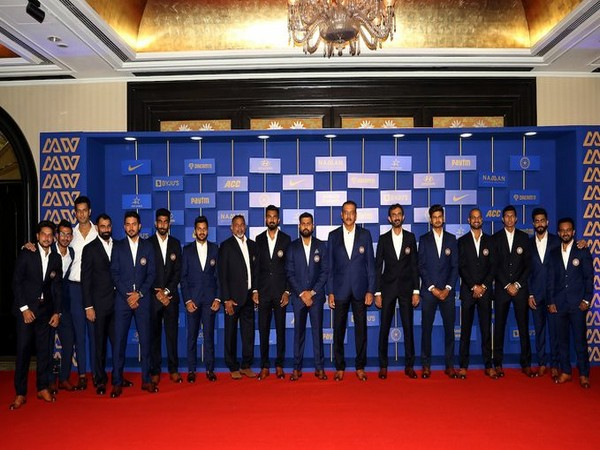 Players and support staff personnel posing for a picture during the BCCI Annual Awards. (Photo/BCCI Twitter)
