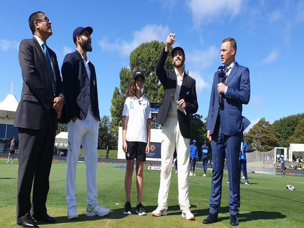 New Zealand have won the toss and opted to bowl first on Day 1 of 2nd Test.