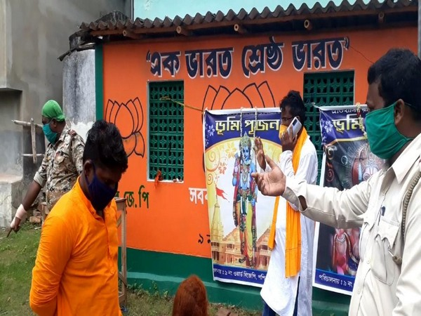 BJP District General Secretary Sankar Guchait and BJP workers detained in West Bengal on Wednesday. (Photo/ANI)