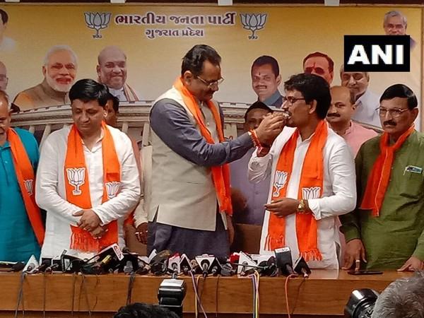 Visuals of Alpesh Thakor joining BJP in Gujarat.