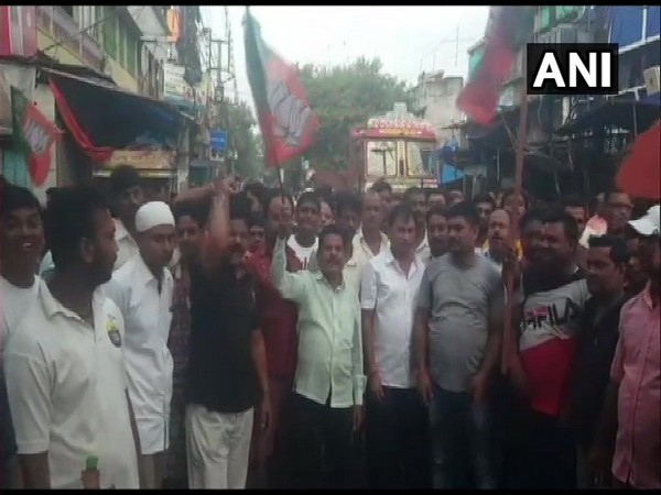 BJP workers observing a 12-hour bandh to protest against the attack on party's lawmaker Arjun Singh in Barrackpore on Monday.