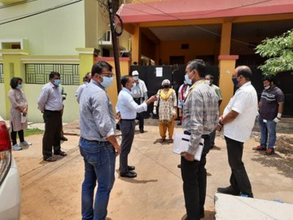 A team of top officials from Defence Ministry and Bhubaneswar Municipal Cooperation, AIIMS and Odisha government visited the quarantine centre. Photo/ANI