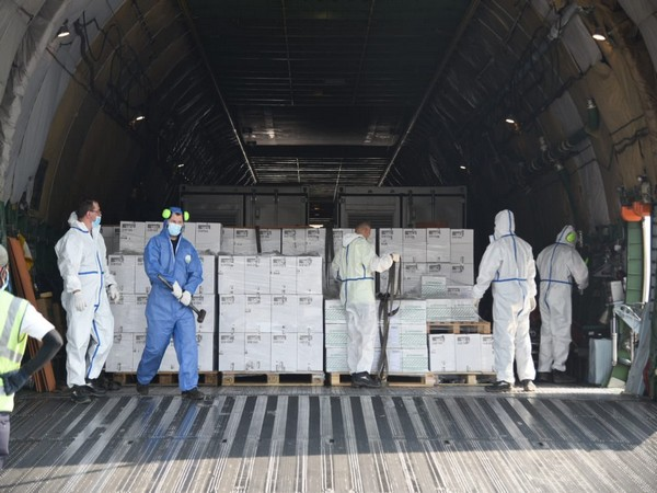 A total of three oxygen generators and 1,000 ventilators arrived from the United Kingdom on Sunday.
