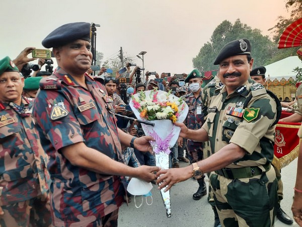 Border Security Force (BSF) organised a Joint Retreat Ceremony with Border Guard Bangladesh at ICP Fulbari near Siliguri under the Jalpaiguri district of West-Bengal on Friday evening.