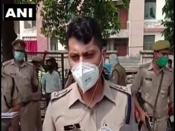 SSP Kanpur City Dinesh Kumar Prabhu speaking to reporters on Saturday. [Photo/ANI]