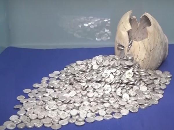 Bactrian treasure. (YouTube/Tolo News)