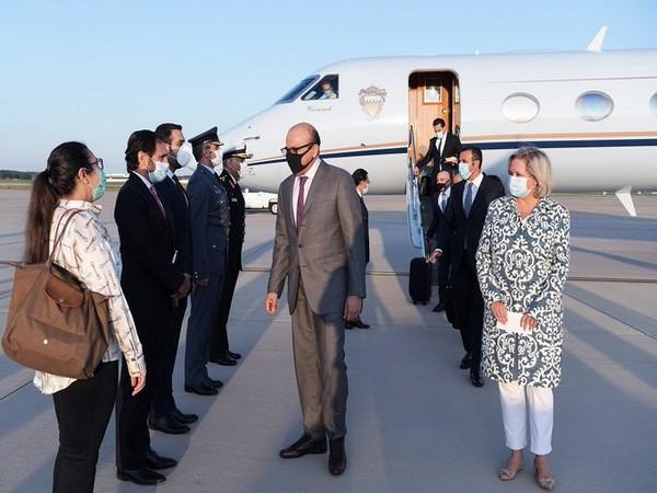 Bahrain's Foreign Minister Abdullatif bin Rashid Al Zayani arrives in Washington on Sunday. (Photo source: Bahrain Foreign Ministry Twitter)