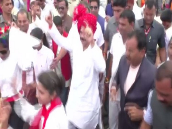 MP home minister, Bala Bachchan while performing dance on independence day celebrations