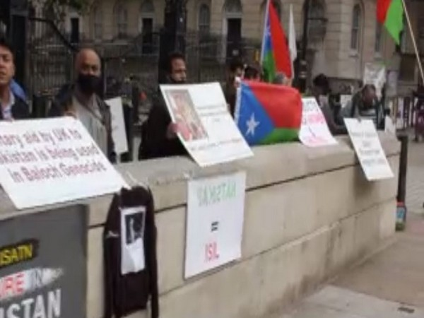 Several Baloch and other human rights activists joined the protest from different cities of the UK and expressed their support for the families of those who have been forcefully disappeared.
