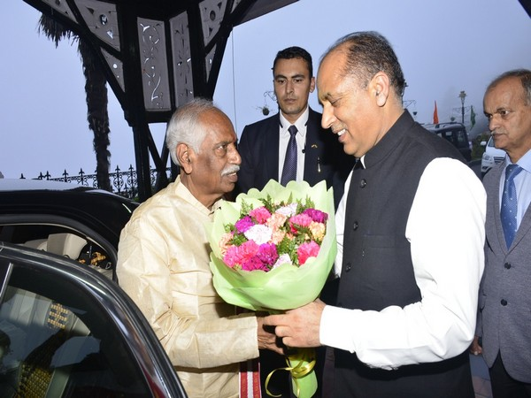 Governor of Himachal Pradesh (designate) Bandaru Dattatraya with CM Jai Ram Thakur in Shimla on Tuesday. Photo/ANI