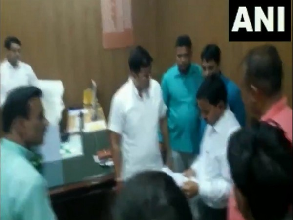 Bareilly Mayor Umesh Gautam has been accused of shouting and pushing health officials. Photo/ANI