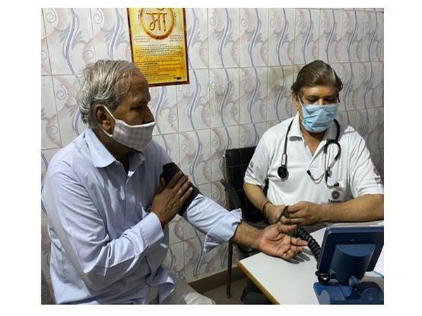 Basant Goel has been relentlessly providing free healthcare consultation services to patients for the past 15 years
