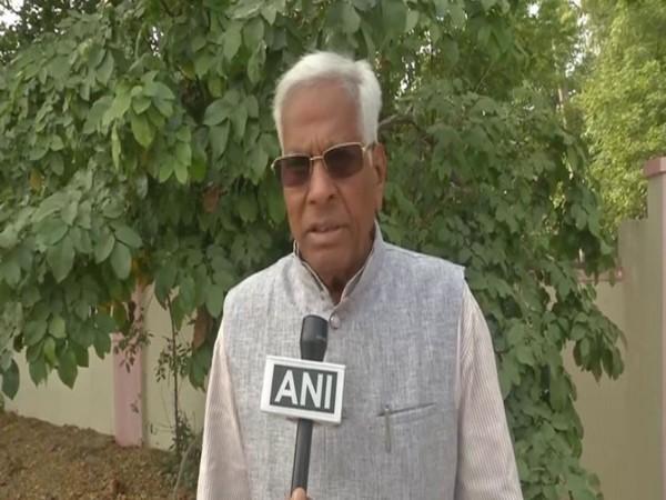 BJP leader Basavaraj Ingin speaking to ANI in Kalaburagi on Monday. Photo/ANI