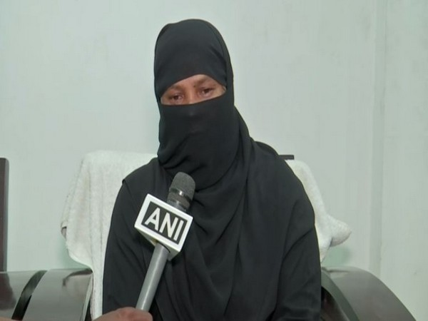 Safia Begum, mother of 21-year-old Zakia Mirza, speaking to ANI in Hyderabad, Telangana on Monday.