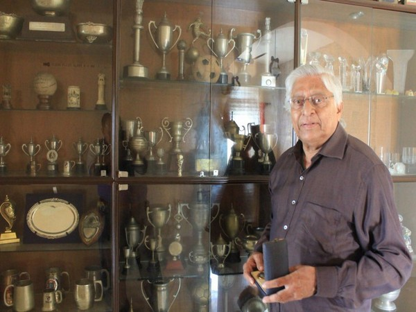 Former Indian football team skipper Subimal Goswami (Photo/Bhaichung Bhutia Twitter)