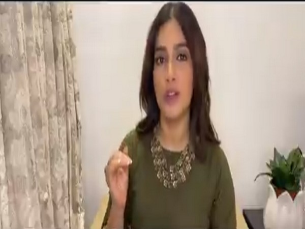 Still from video shared Swachh Bharat I #IndiaFightsCorona Twitter handle featuring actor Bhumi Pednekar (Image source: Twitter)
