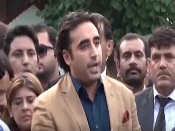 Bilawal Bhutto addressing a crowd on Monday (Picture Credits: Bilawal Bhutto/Twitter)