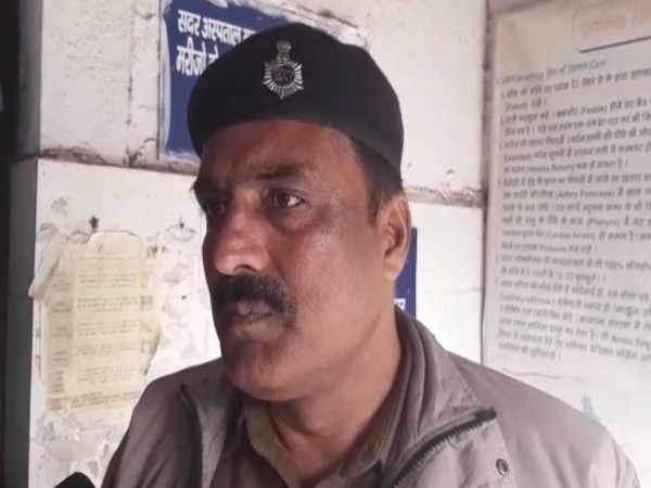 Assistant Sub-Inspector (ASI) of Police Mithanpura (Muzaffarpur), Nisar Ahmed speaking to reporters on Sunday. Photo/ANI