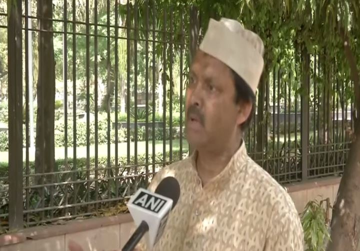 Shehnai maestro late Ustad Bismillah Khan's grandson Ustad Nasir Abbas speaking to ANI in Delhi on Friday. Photo/ANI