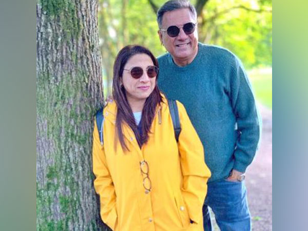 Boman Irani with his wife Zenobia Irani, Picture courtesy: Twitter