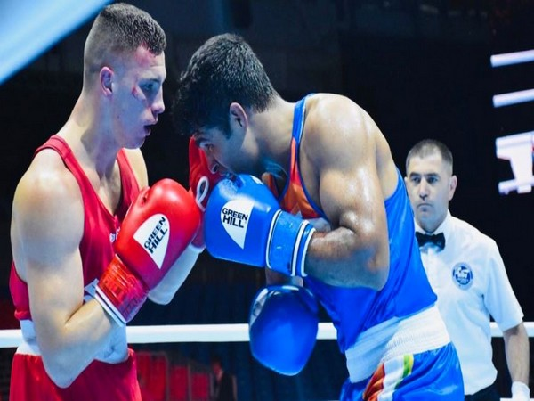 Indian boxer Brijesh Yadav (right) competing against Maleusz Goinski (left) (Photo. SAIMedia Twitter)