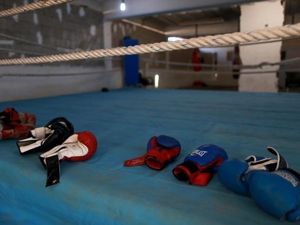 Judges' scores to display at the end of each round in boxing: IOC