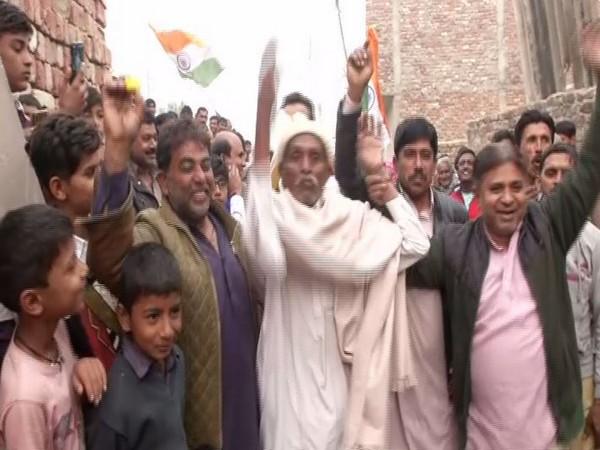 Pakistani Hindu refugees in Delhi celebrating the passing of CAB on Thursday.