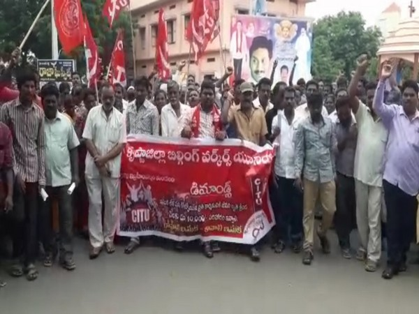 Visuals from the construction workers' protest in Andhra Pradesh's Krishna on Monday. Photo/ANI
