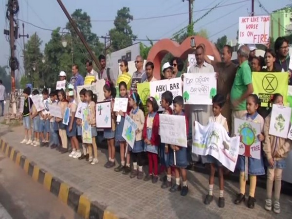 Awareness campaign on climate change organised in Bhubaneswar. Photo/ANI