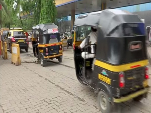 Vehicles in a queue at a CNG station in Mumbai on Saturday. Photo/ANI