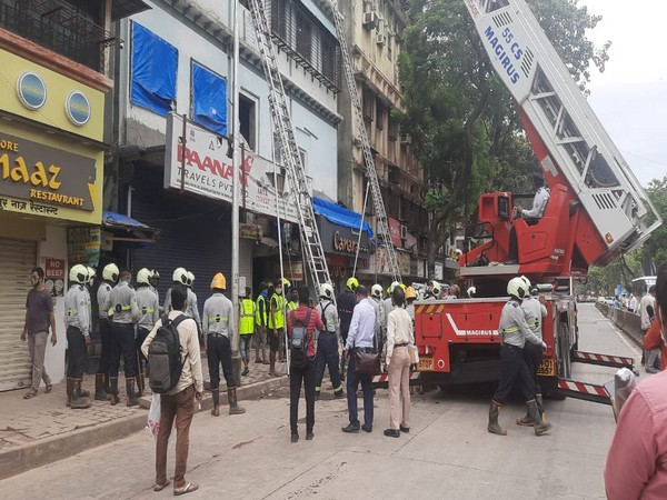 Visual from the building collapse site.