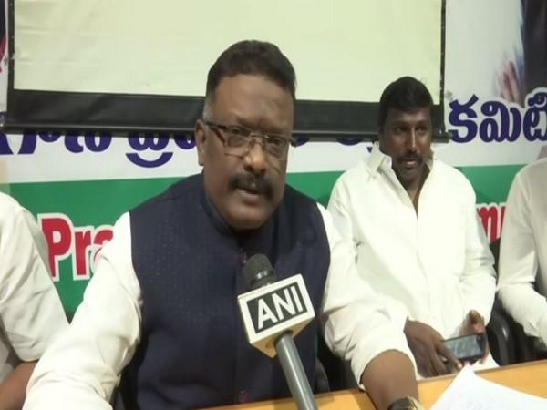 Congress leader Dasoju Sravan speaking to ANI in Hyderabad on Wednesday. [Photo/ANI]
