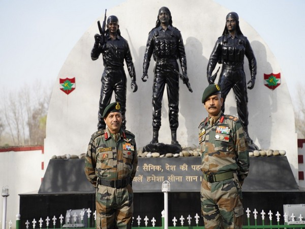 Lt Gen Devendra Pratap Pandey (RIGHT) today took over the command of the Srinagar-based 15 Corps.