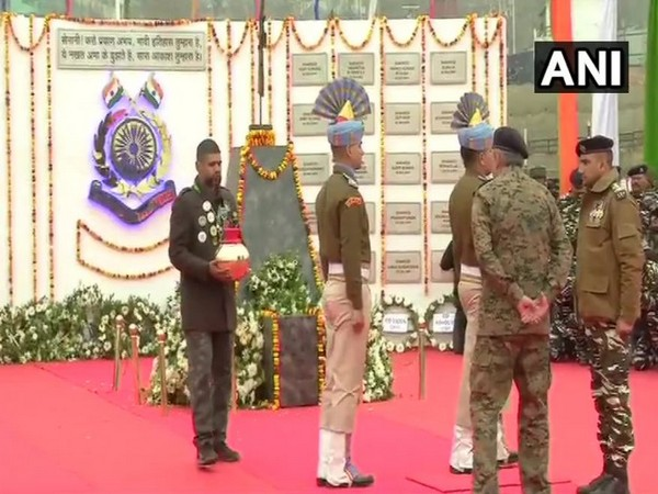 CRPF paid tribute to 40 jawans killed in Pulwama attack in Srinagar. Photo/ANI