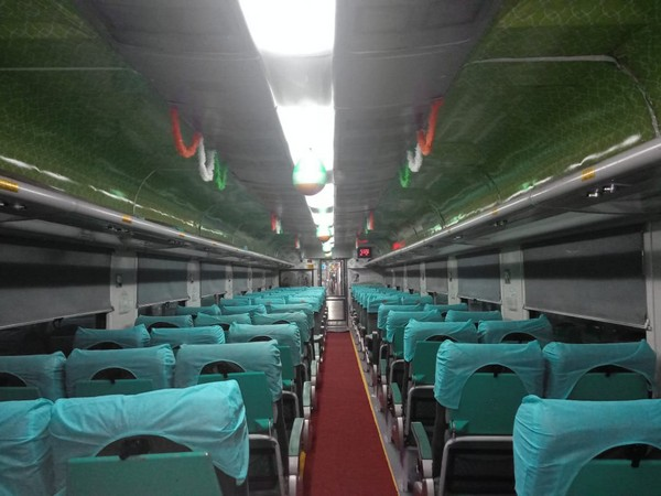 Pune-Secunderabad Shatabdi Express was decked up with I-Day mementoes on Thursday. Photo/ANI