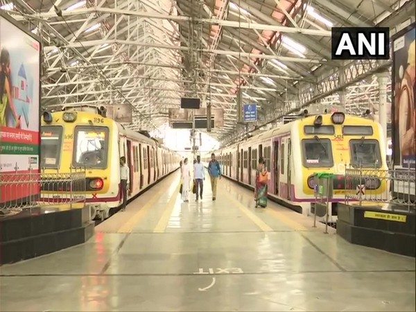 Visual from Chhatrapati Shivaji Terminus after a sudden power cut in the city today. (Photo/ANI)