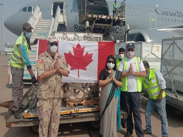 shipment of 50 ventilators and 25000 vials of Remdesivir to India by Canada.(Photo/Credit: Twitter/ @MEAIndia)