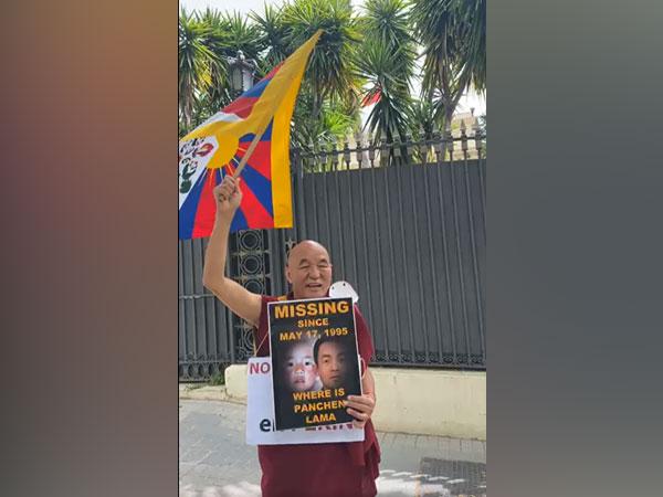 Thubten Wangchen, Chief of Tibet House Foundation.
