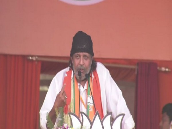 Actor Mithun Chakraborty at Brigade ground in Kolkata (Photo/ANI)
