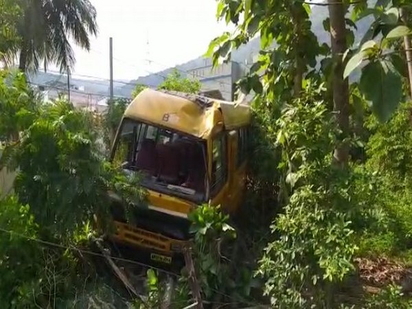 A school bus rammed into an electric pole near Simhachalam in Visakhapatnam on Monday (Photo/ANI)