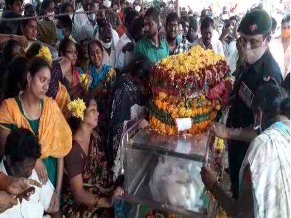 Martyred jawan Sepoy Maruprolu Jaswanth Reddy reached his native village