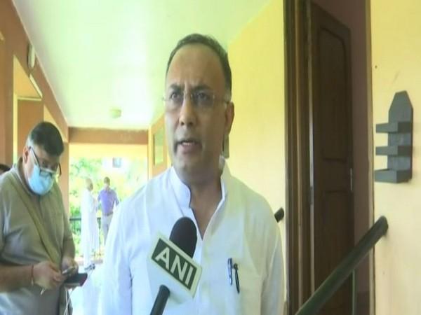 Congress Goa in-charge Dinesh Gundu Rao speaking to ANI on Wednesday.