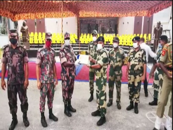 South Bengal BSF exchanges sweets with BGB of Bangladesh on the Occasion of Independence Day